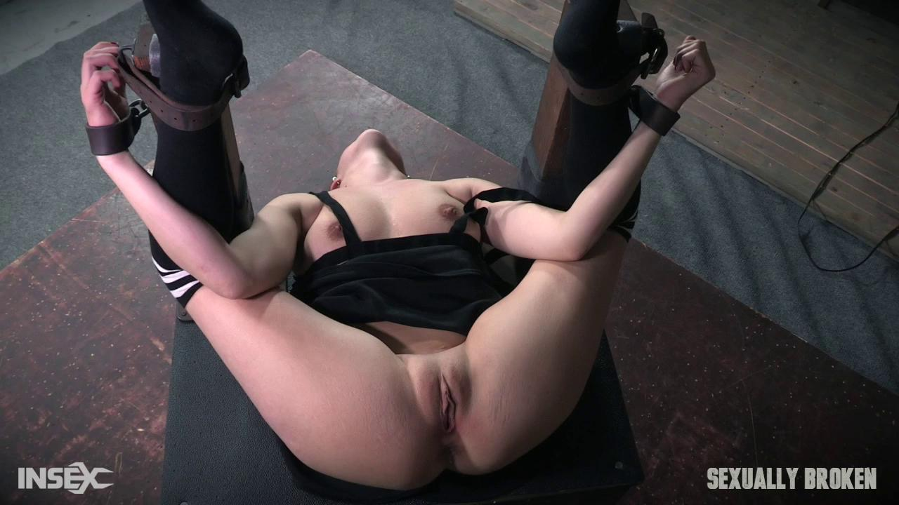 SexuallyBroken – Stephie Staar